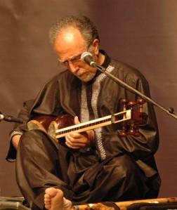 Kaboul à Alger: Osman Arman au Tar persan à ne pas confondre avec le tar de l'andalou!