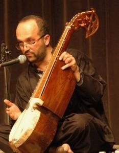 Khaled Arman présente le Rubab (Alger)